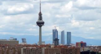 La contaminación por dióxido de nitrógeno se dispara en la capital: vuelve la boina a Madrid